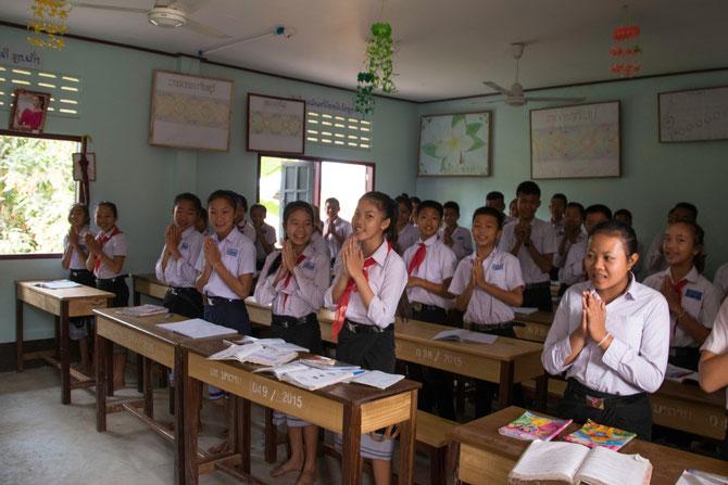 Begrüssung auf laotische Weise
