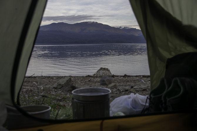 Morgengrauen am Fjord