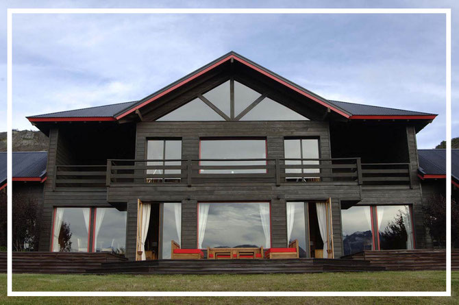 Fly fish Central Patagonia, Argentina, FFTC.club destination, El Encuentro Fly Fishing partnered Tres Valles Lodge, Fly fish freshwater destinations. Wild and Trophy Trout. Rio Pico area. Front view of the lodge