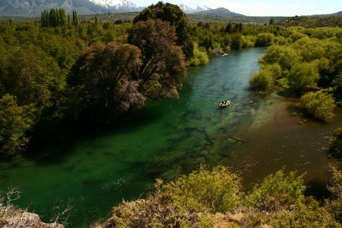Fly fish Central Patagonia, Argentina, FFTC.club destination, El Encuentro Fly Fishing partnered Carrileufu Lodge, Fly fish freshwater destinations. Wild and Trophy Trout. Rio Arrayanes