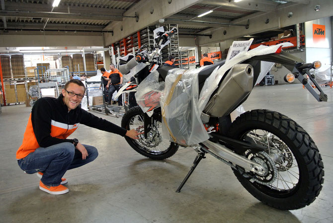 Philipp Grünberger (KTM Presse- & PR-Management) mit meinem nächsten Motorrad?