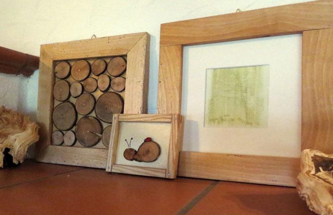 Holzbilder und -rahmen
