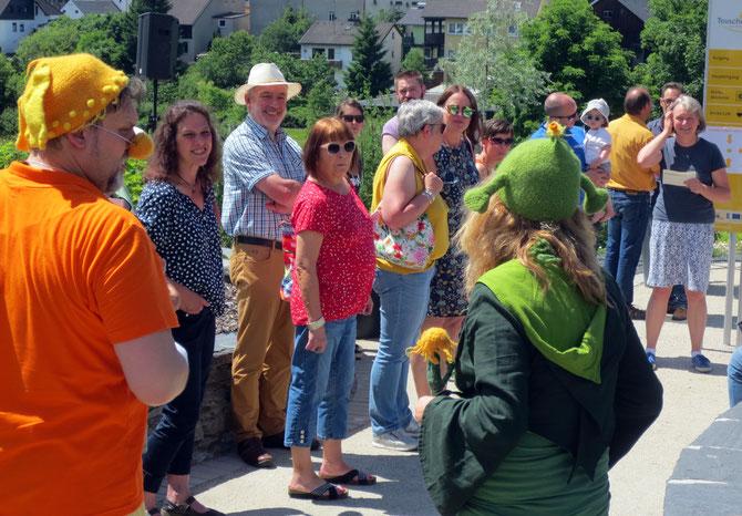 Im Jahreslauf gibt es immer wieder Veranstaltungen im Kräutergarten und in den Räumen der Arnika-Akademie. So findet z. B. das Arnikafest ab 2018 jährlich statt und jeden Oktober gibt es die Erlebnistage mit KronachCreativ.