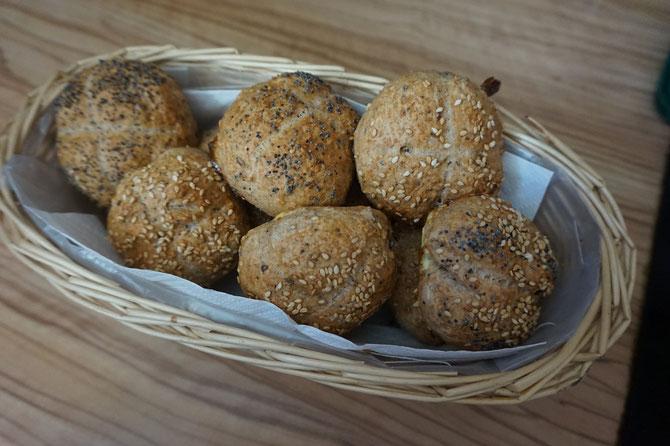 Rezept leckere Mini Dinkel Saaten Broetchen