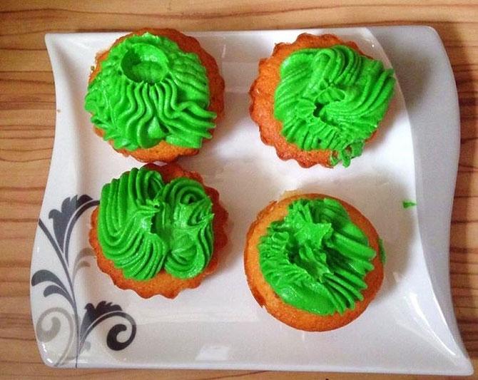 Vanille-Muffins mit grünem Frosting - Hulk Muffins