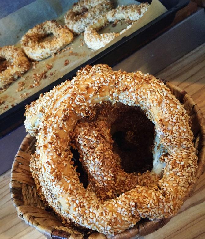 Simit - original tuerkische Sesamringe wie aus Izmir