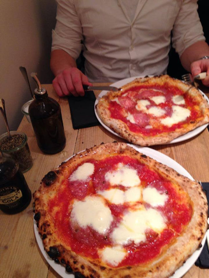 485°-echte neapolitanische Pizza in Koeln