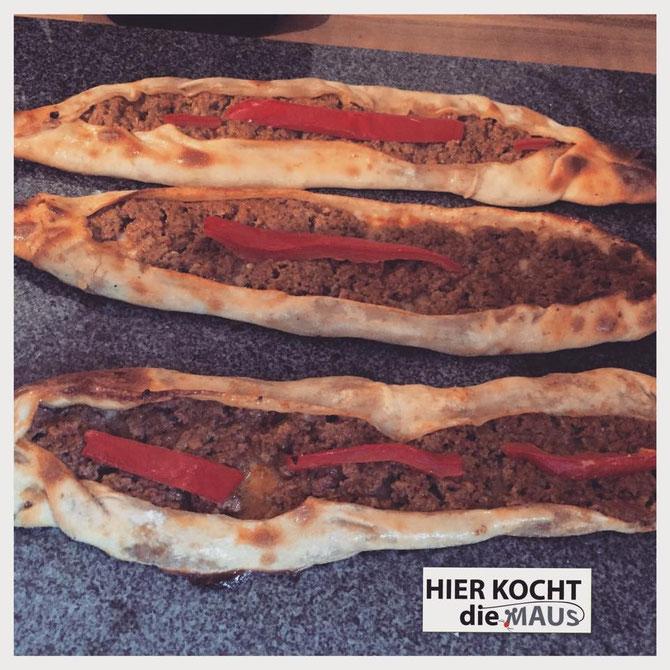 Rezept Türkische Pide |  Teigschiffchen mit Hackfleisch