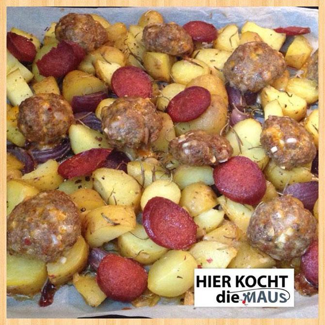 Rezept Rosmarin-Kartoffeln aus dem Ofen mit Buletten & Sucuk