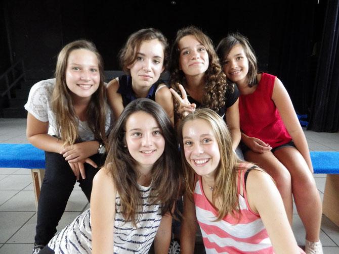 Candice, Marie, Camille, Flavie, Lisa et Manon