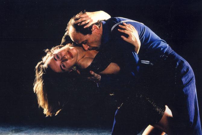 Tangounterricht und Tangoshows mit STRAVAGANZA Tango Berlin