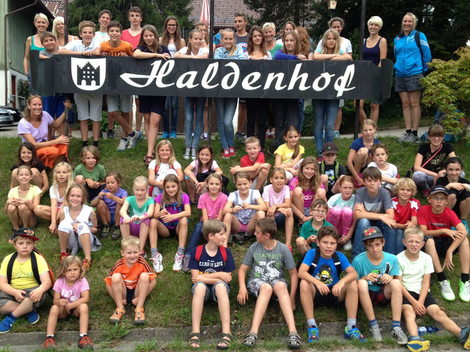 Kässpätzlesessen am Haldenhof, großzügig spendiert ; Wir sagen herzlich : DANKE !