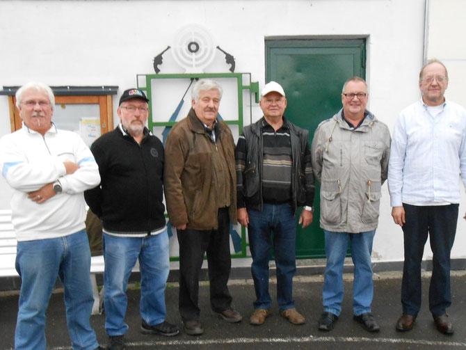 Mannschaft Ambrosius 1, vlnr.: Peter Kaulen, Hans Dedeas, Jakob Flecken, Heinz Schmitz, Lothar Müßgens, Mannschaftsführer Bernd Deuter  Foto September 2013: Walter Hüselitz
