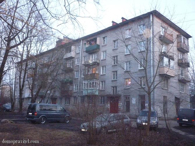 Дом по улице Достоевского 11 в Гатчине