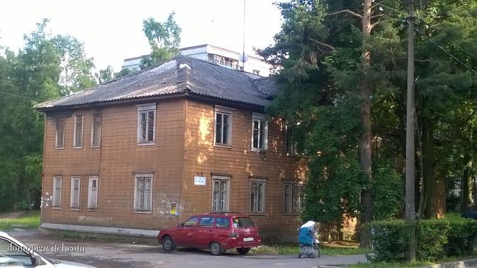 Дом на Урицкого 23 в Гатчине до капремонта