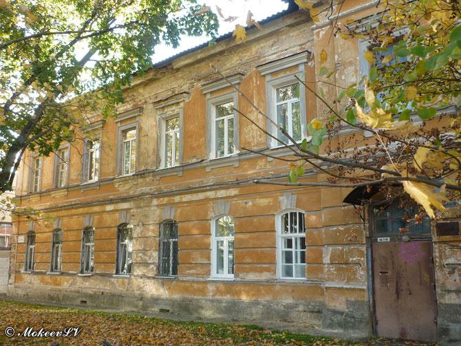 Дом на Урицкого 2 в Гатчине
