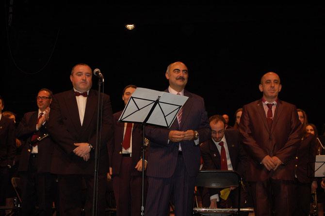 Compositor, letrista y tenor al término de la exitosa presentación del himno