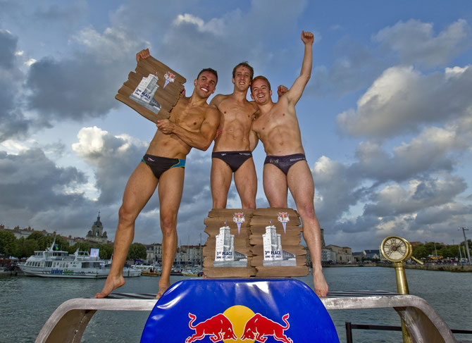 2011 Red Bull Cliff Diving in La Rochelle Frankreich copyright Red Bull