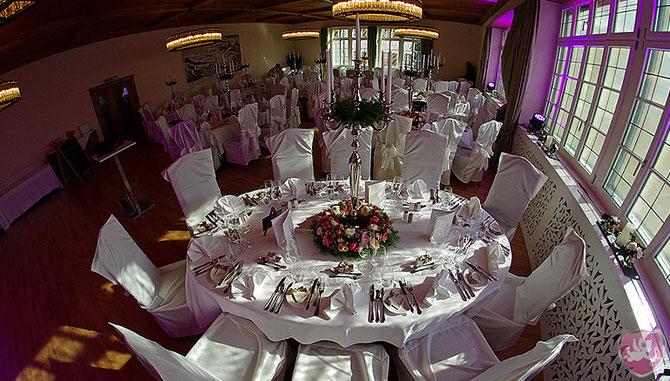 Schloss Brandis Maienfeld Wedding Hochzeit Heiraten DJ Benz