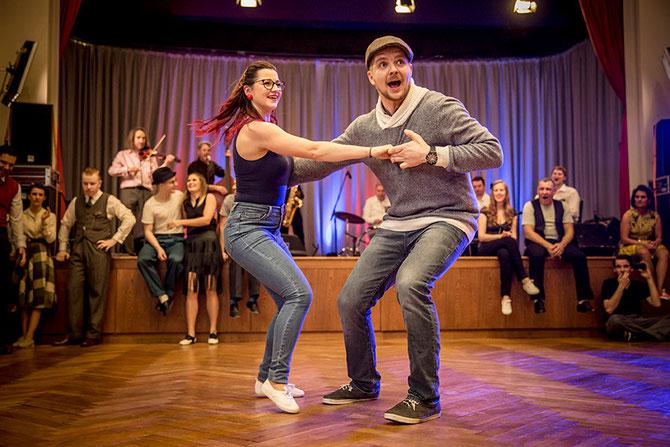 Berühmt Jessica und Markus - Jessica Kaiser Markus Kakuska 5 6 7 Swing! #SV_51