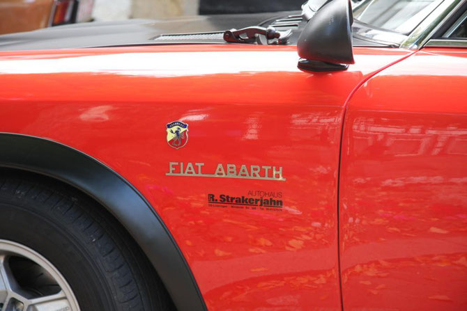 Der Abarth-Skorpion prangte gleich an zwie Fahrzeugen