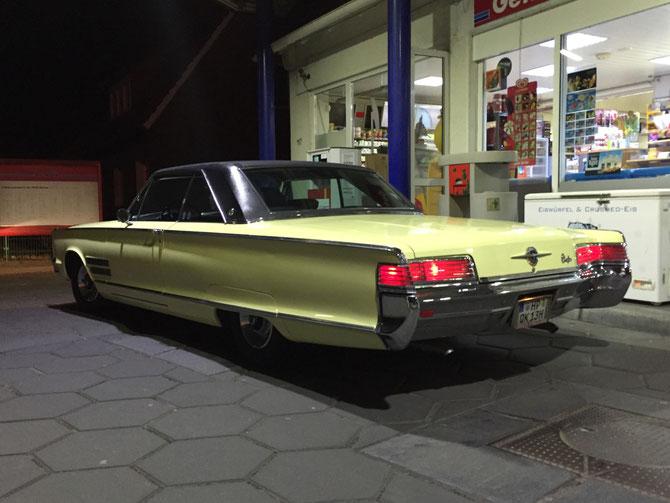 "66er Chrysler 300 2door Hardtop, 383 cui 6,3L V8, 3-Gang-Automatik, ""daffodil yellow"", schwarzes Vinyldach"