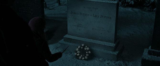 Tombe de Lily et James Potter (Harry Potter et les Reliques de la Mort - Partie 1 - 2010)