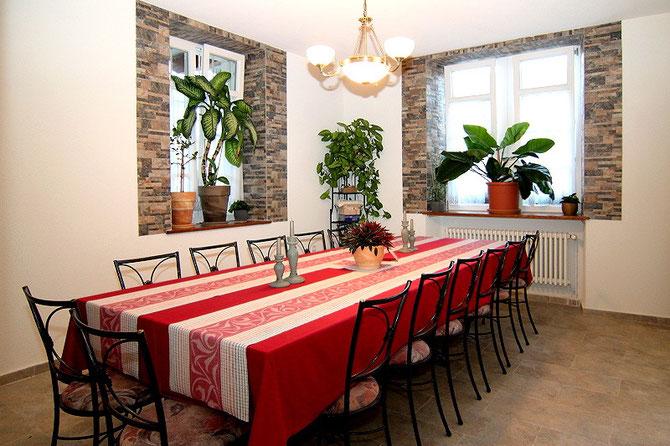 Extraraum, Nebenzimmer für Gruppen, Feiern und Familienfeste