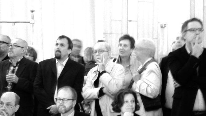Momente des Bangens und der Skepsis, auch bei Alt-OB Gerd Kaimer.