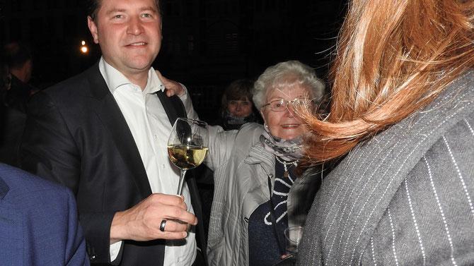 An diesem Abend die glücklichste Oma von ganz Solingen.