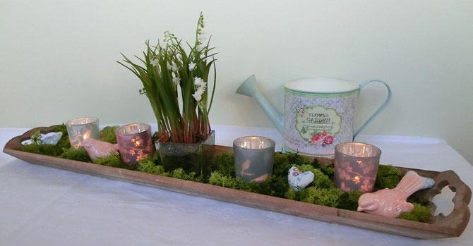Holztablett mit Teelichtgläsern Moos und Maiglöckchen