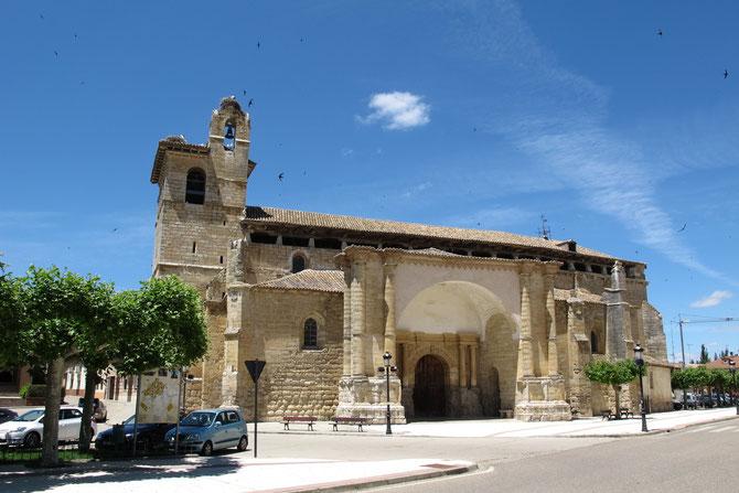 Die Herberge befindet sich gleich neben der Kirche San Pedro de Fromista