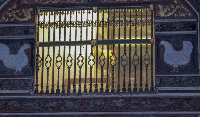 Der Hahn in der Kathedrale von Santo Domingo de Calzada hat gekräht. Es soll Glück bringen.