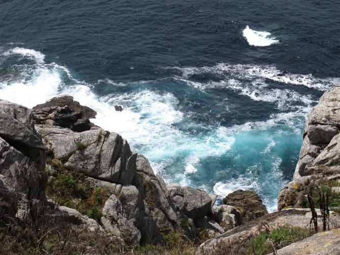 Niergendswo liegen so viele Wracks wie hier am Cabo de Finisterre an der Costa del Muerte. Die Ursachen sind gefährliche Strömungen auf der hochfrequentierte Route.