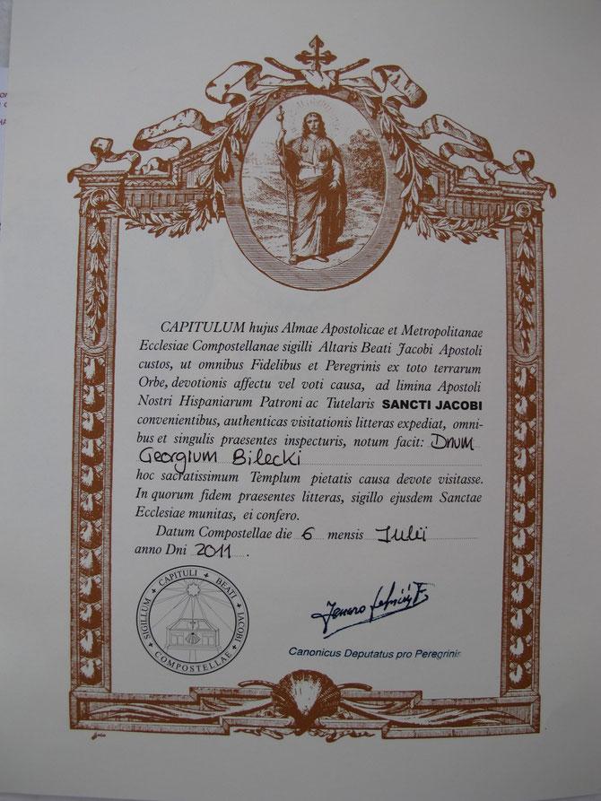 Die Pilgerutkunde, (Sp. La Compostela) wird seit dem 13 Jarhundert ausgestellt. Um die Compostela zu erhalten, muss man zumindest die letzten 100 km zu Fuß oder die letzten 200 km mit dem Fahrrad oder zu Pferd zurückgelegt haben.