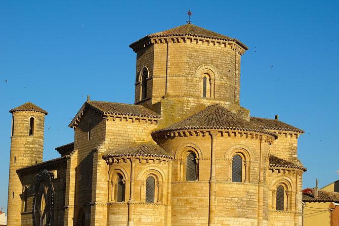 Meisterstück der Steinmetzkunst, Romanische Kirche San Martin de Fromista stammt aus dem Jahre 1066.