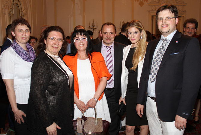Regina Waldum, H. E. the Greek Ambassadress in Vienna - Chryssoulla Aliferi, Georgia Kazantzidu, Gerald Steindl, Maria Elena Kyriakou - the greek Song Contest Singer 2015 and Matthias  Laurenz Gräff. photo Martin Kalchhauser