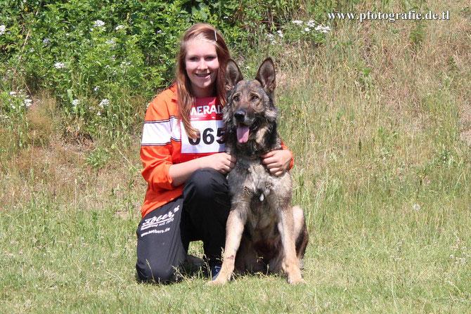 Jasmin Hanning mit Aisha vom Haus Ahnenkamp - Platz 24