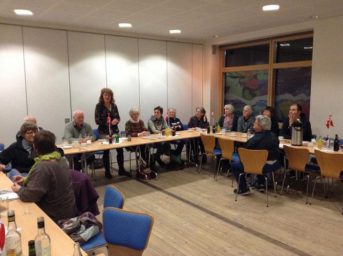 Vorsitzende Johanna Christiansen legt den Vorstand- und Fraktionsbericht ab.
