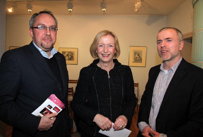 Buchlesung mit Spiegelredakteur Stefan Berg und Bundesforschungsministerin Johanna Wanka (Foto: Manfred Thomas)