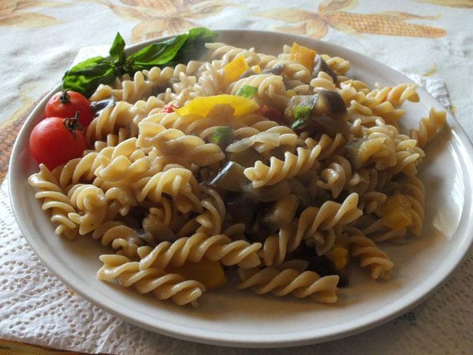 Pasta integrale con verdure: ricetta