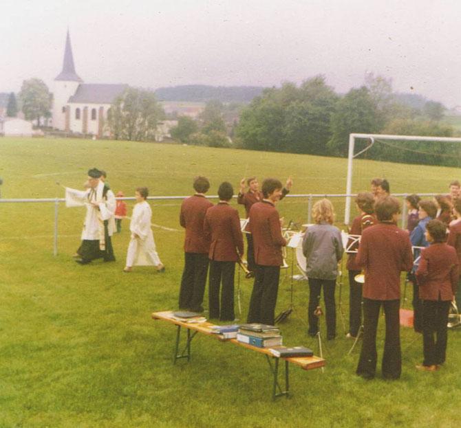 Feierliche Einweihung des Sportplatzes im Jahre 1980