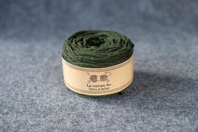 Pure laine des Alpes françaises       Pelote coloris vert lichen 50grs. 130m aig 3-4