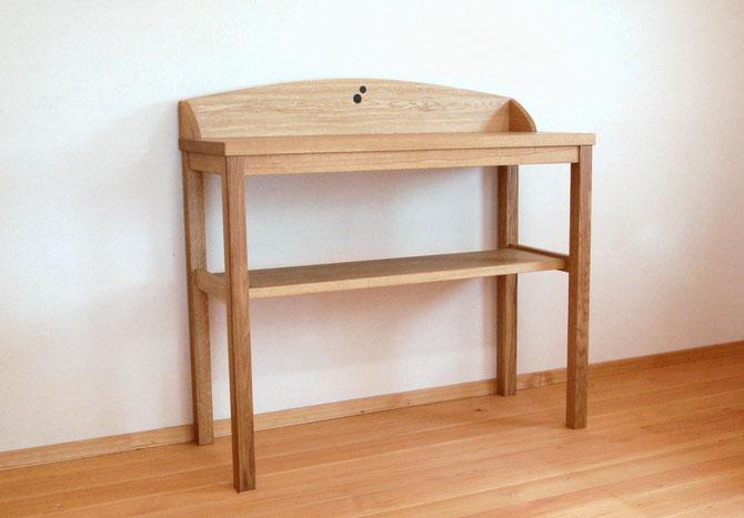 キッチンで使うシンプルな作業テーブル(横浜市・I様邸)