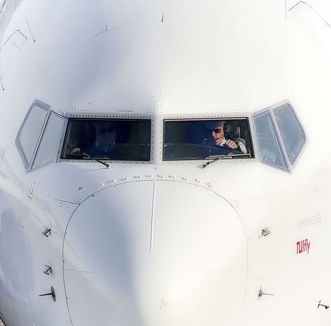 """ Jet "" Boeing 737 Photograph"