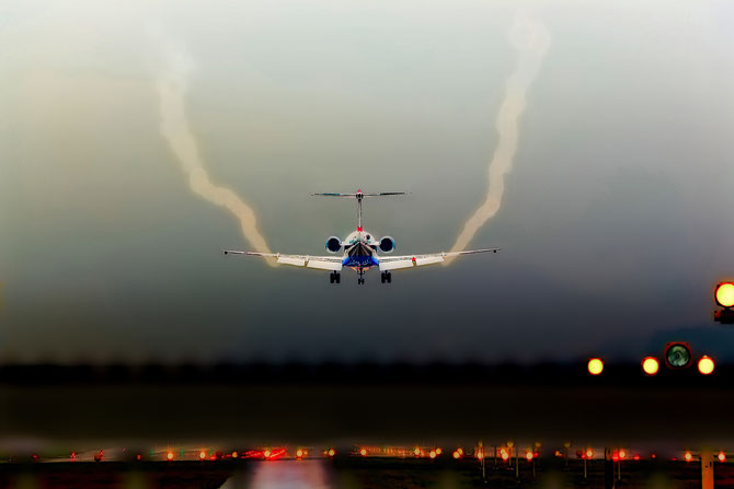 """ Landing ""  Fokker 100 by Roland Carlos"