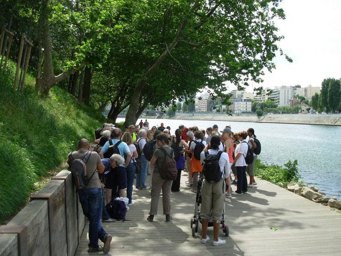 randonnées organisées par le CG92 lors de la Fête de la Nature dans les Hauts-de-Seine en mai 2011 encadrées par le CDRP92