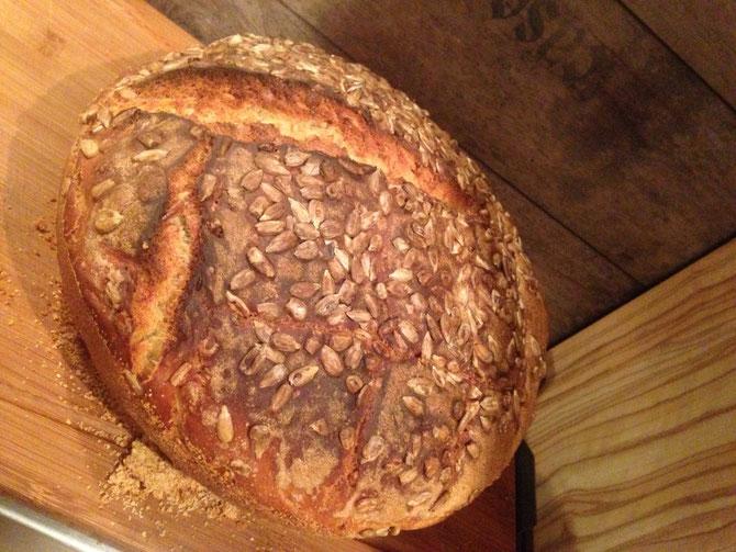 Rezept Sonnenblumenkern Brot aus dem Roemertopf Pane
