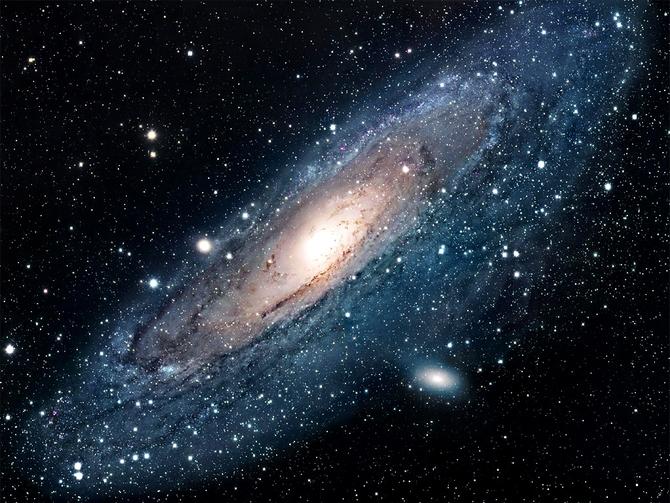 ANDROMEDE - Face à l'espace infini soyons humble.
