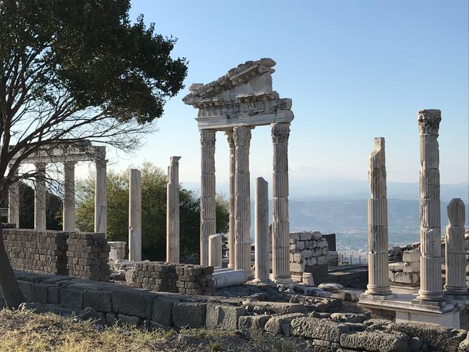 Trajaneum von Pergamon am frühen Morgen